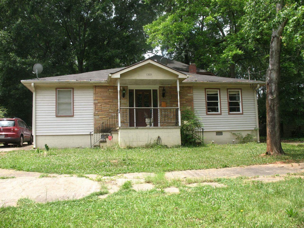 1333 Peachcrest Rd, Decatur GA 30032