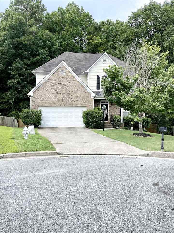 View Slide 0 for listing 9012624