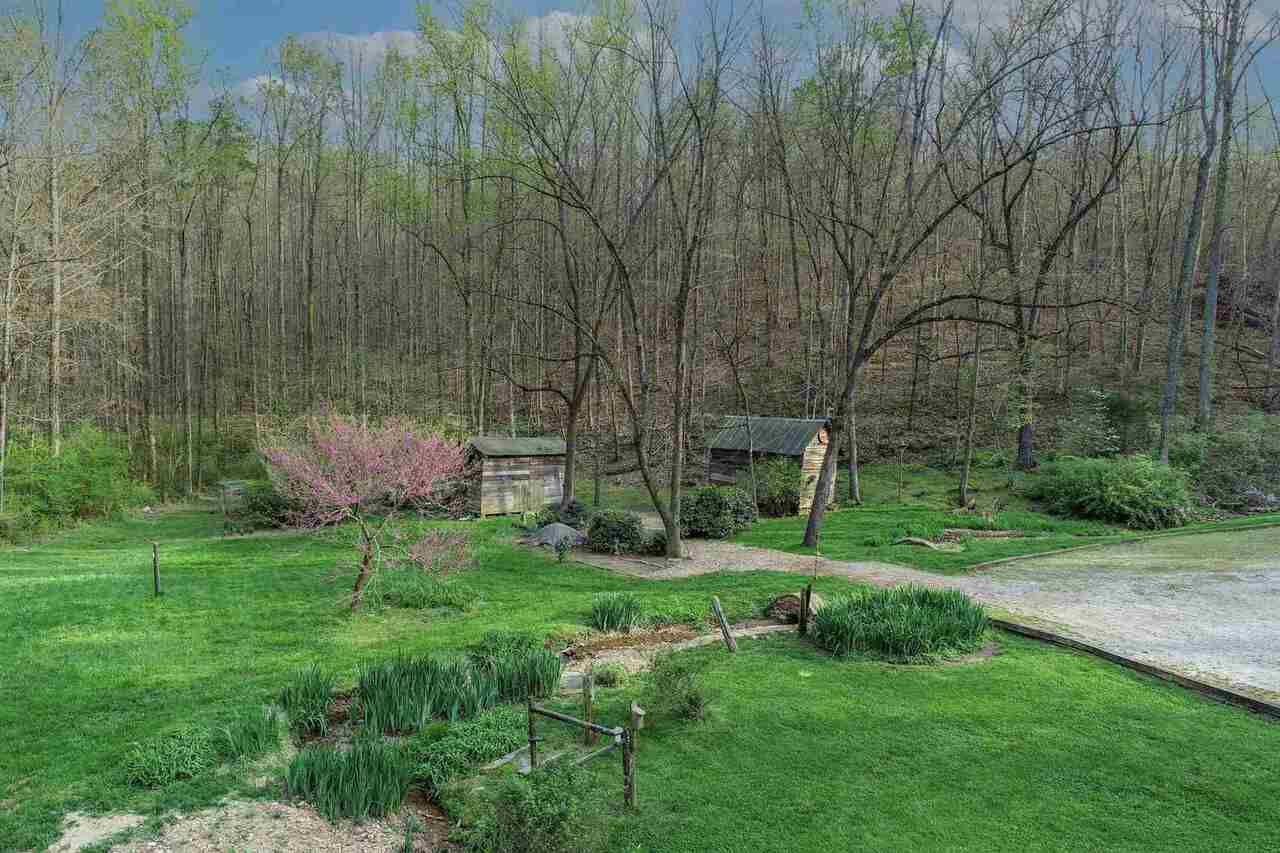 View Slide 15 for listing 9003808