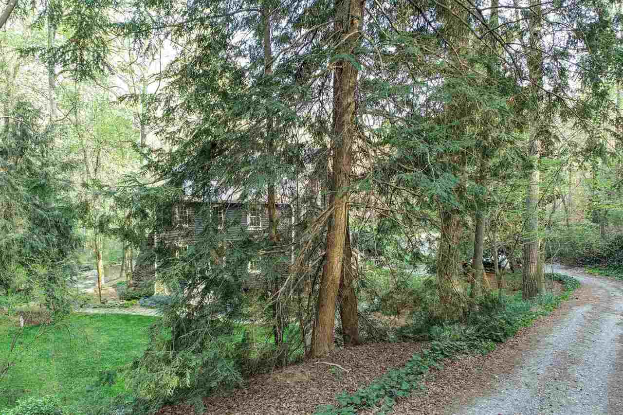 View Slide 4 for listing 9003808