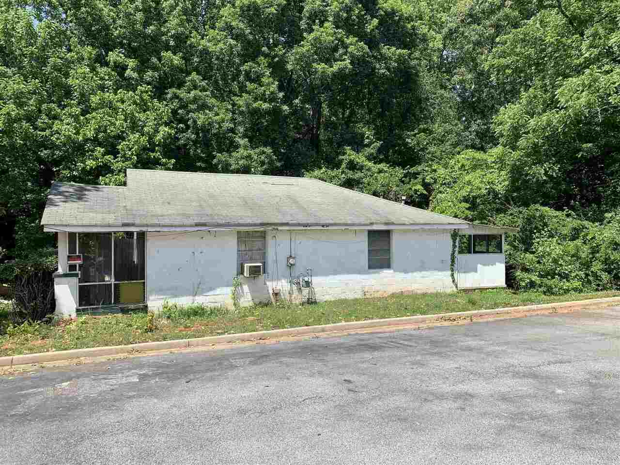 View Slide 26 for listing 8986700