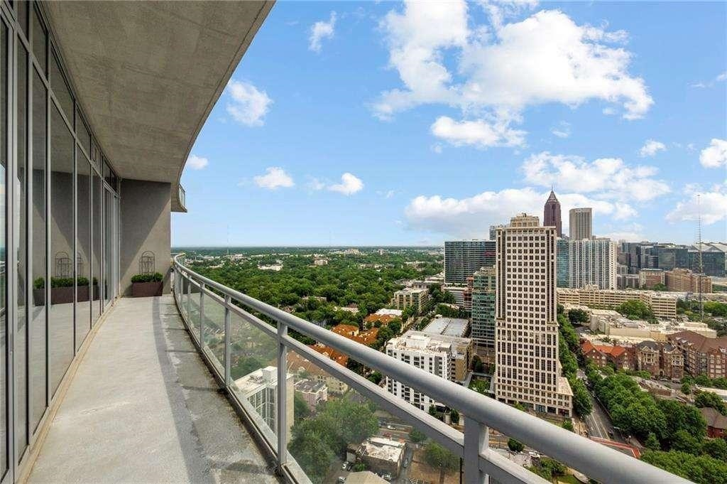 View Slide 13 for listing 9013846