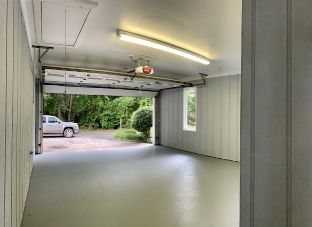 View Slide 20 for listing 9014105