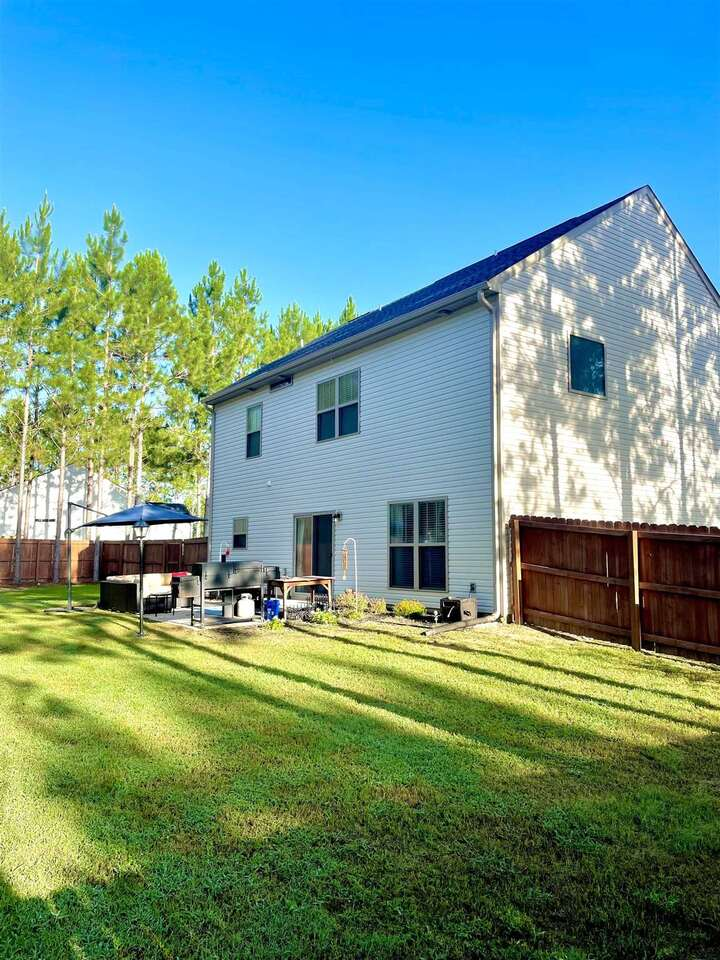 View Slide 44 for listing 9014240