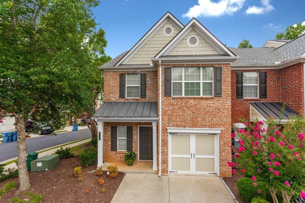 View Slide 0 for listing 9014321