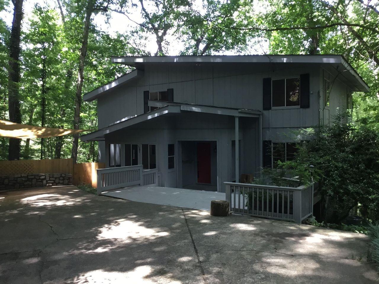 185 N Mill Ct, Sandy Springs GA 30328
