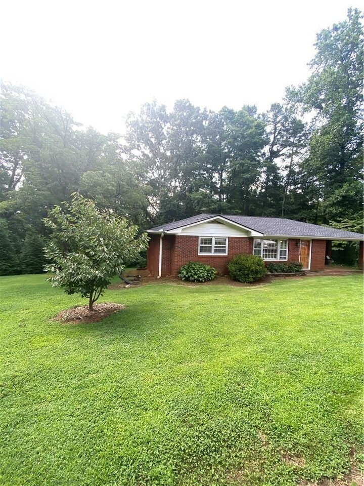 View Slide 0 for listing 9014955