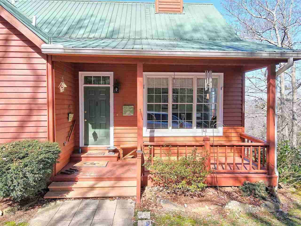 View Slide 12 for listing 8955977