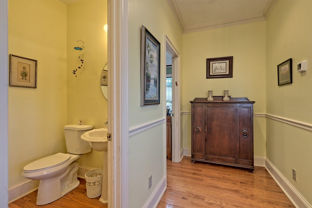 View Slide 35 for listing 8955977