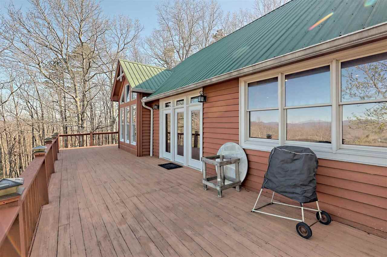 View Slide 48 for listing 8955977
