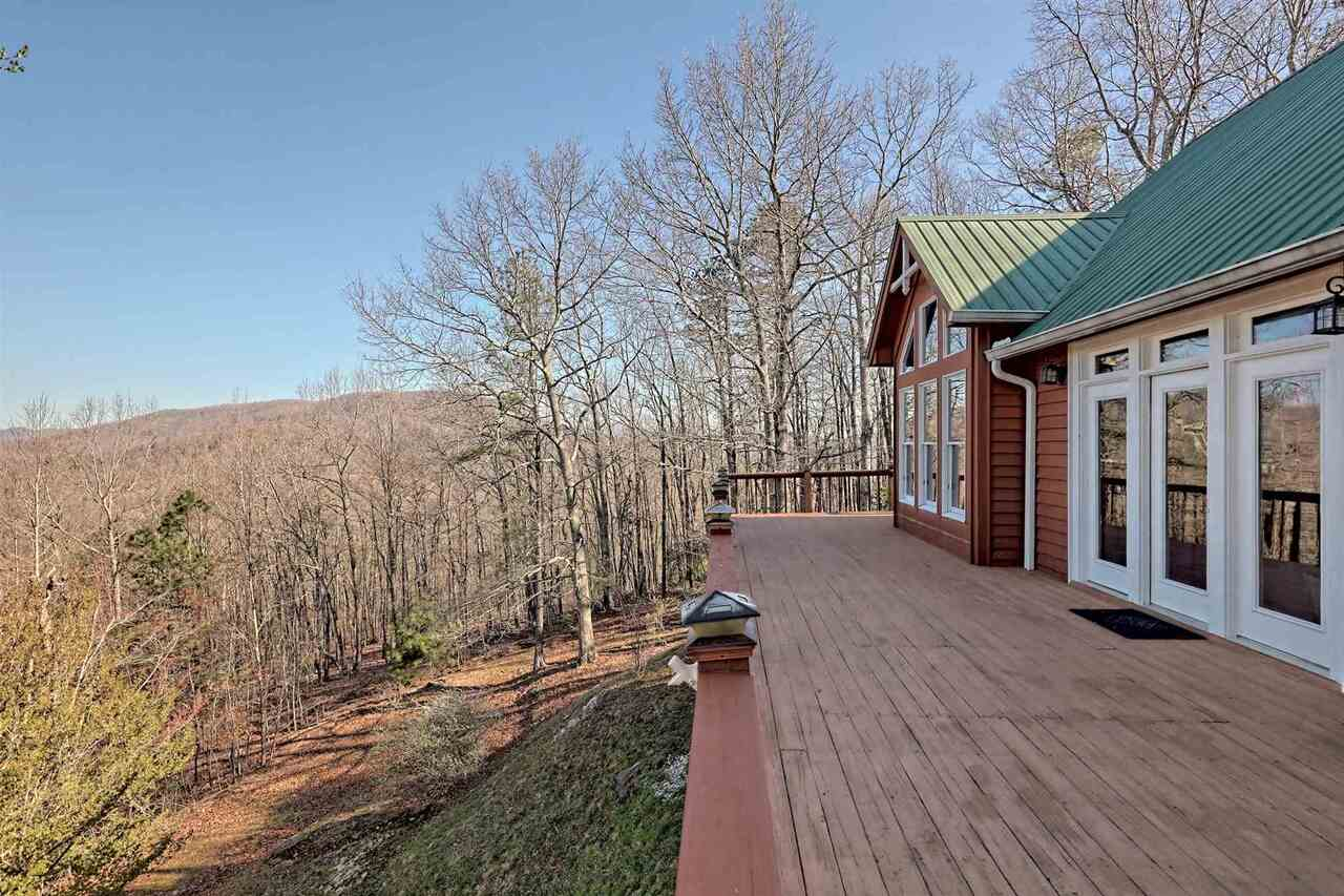 View Slide 49 for listing 8955977