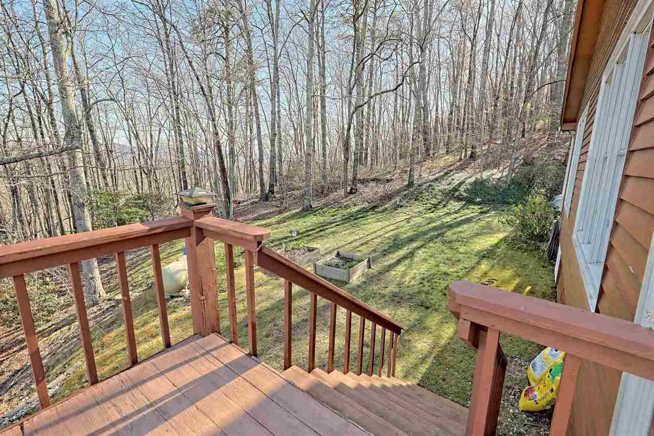 View Slide 51 for listing 8955977
