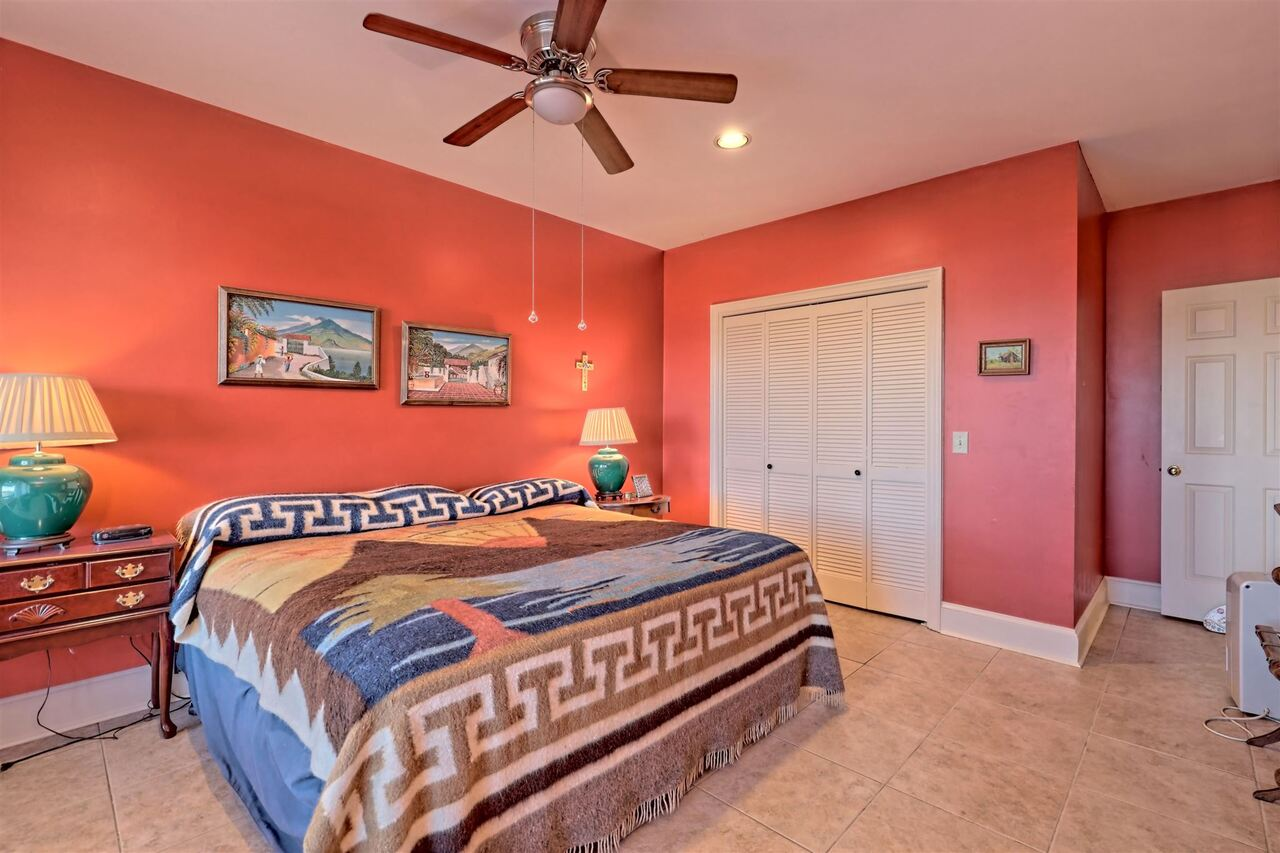 View Slide 61 for listing 8955977
