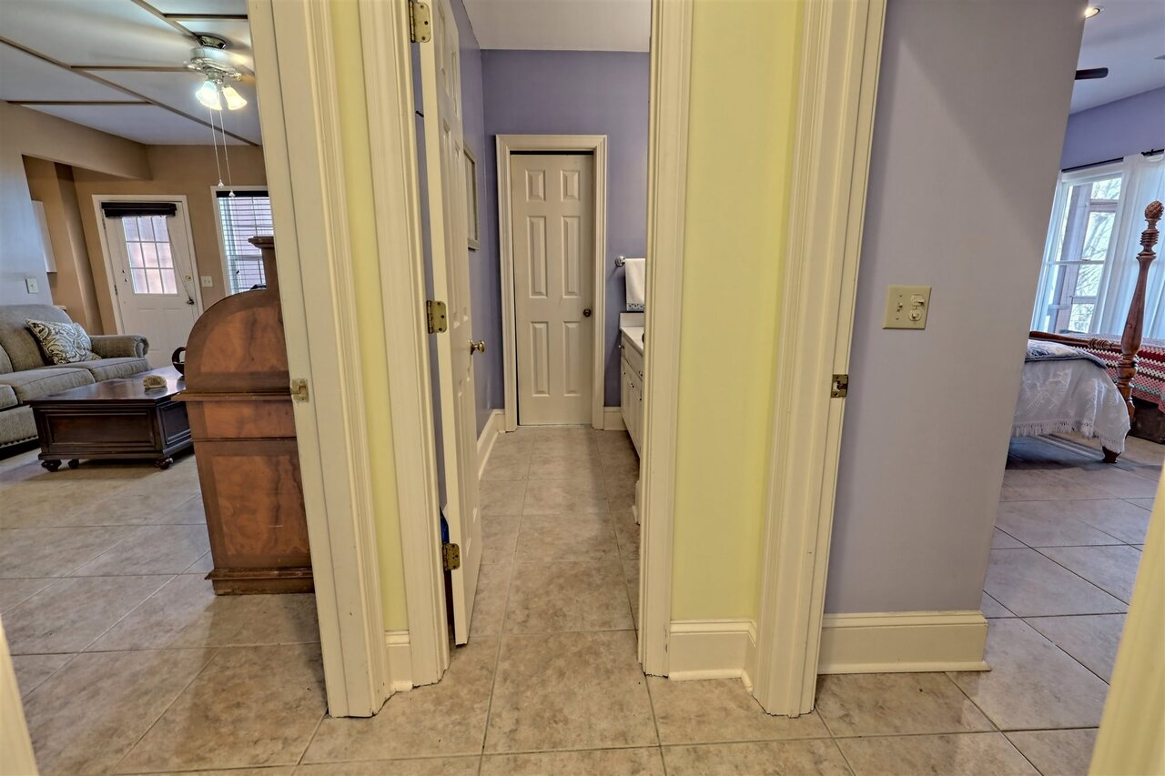 View Slide 64 for listing 8955977