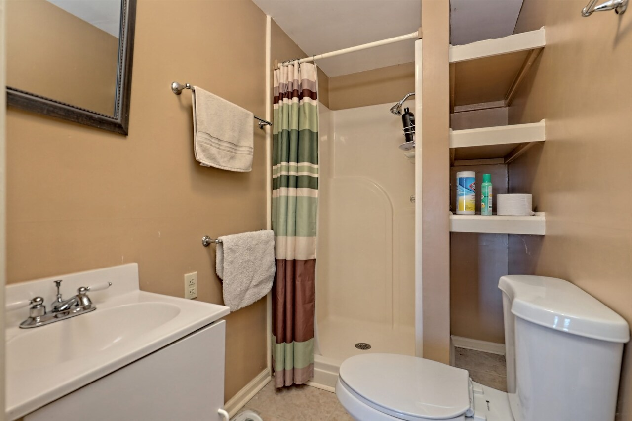 View Slide 68 for listing 8955977