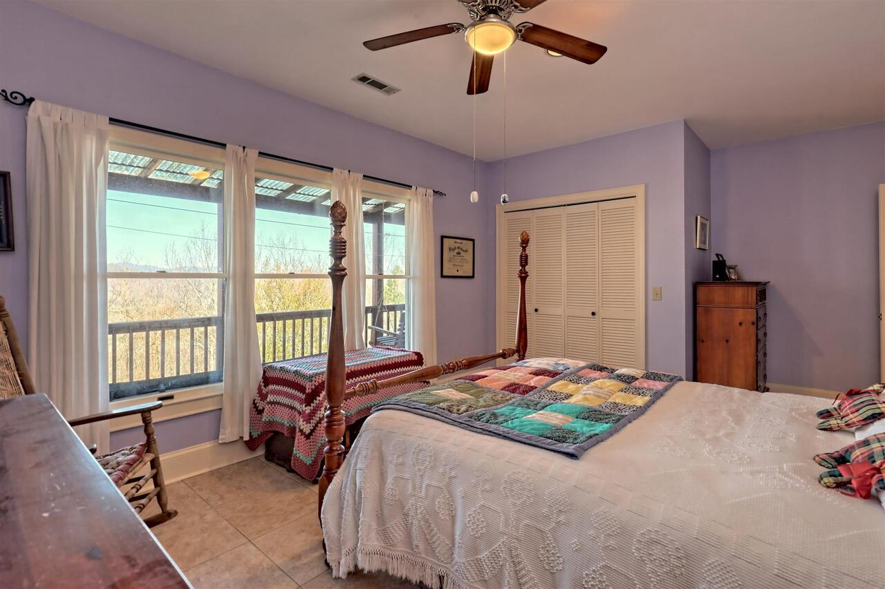 View Slide 71 for listing 8955977