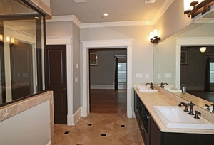 View Slide 28 for listing 9015884