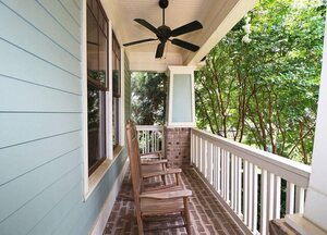 View Slide 4 for listing 9015884