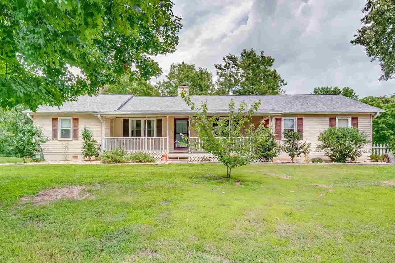 View Slide 0 for listing 9008761