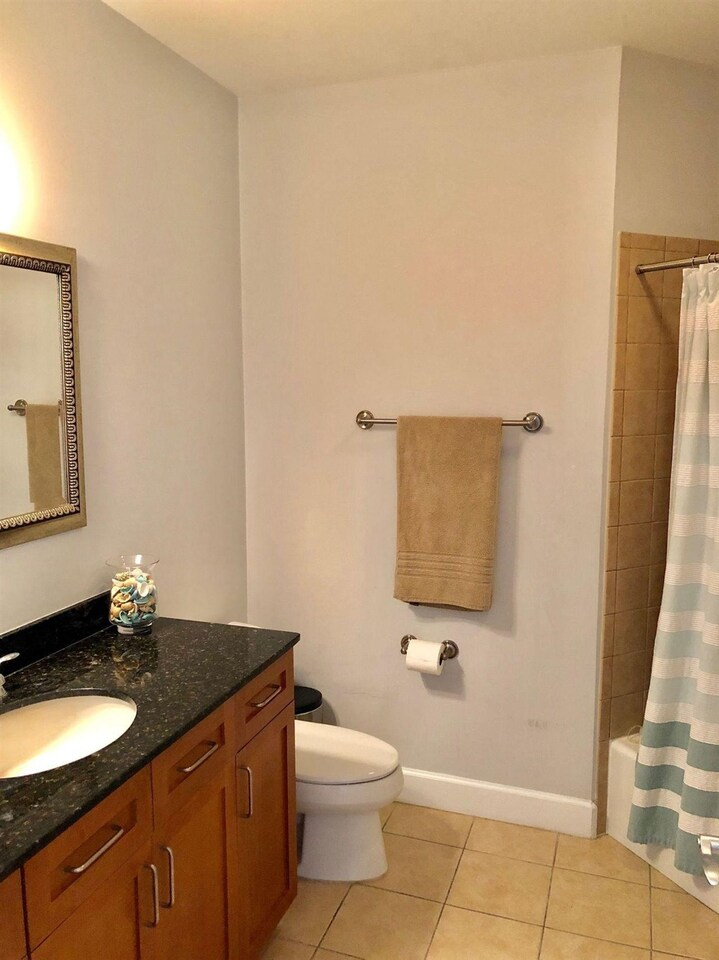 View Slide 15 for listing 9017408