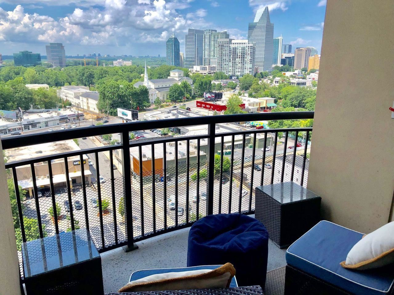 View Slide 16 for listing 9017408