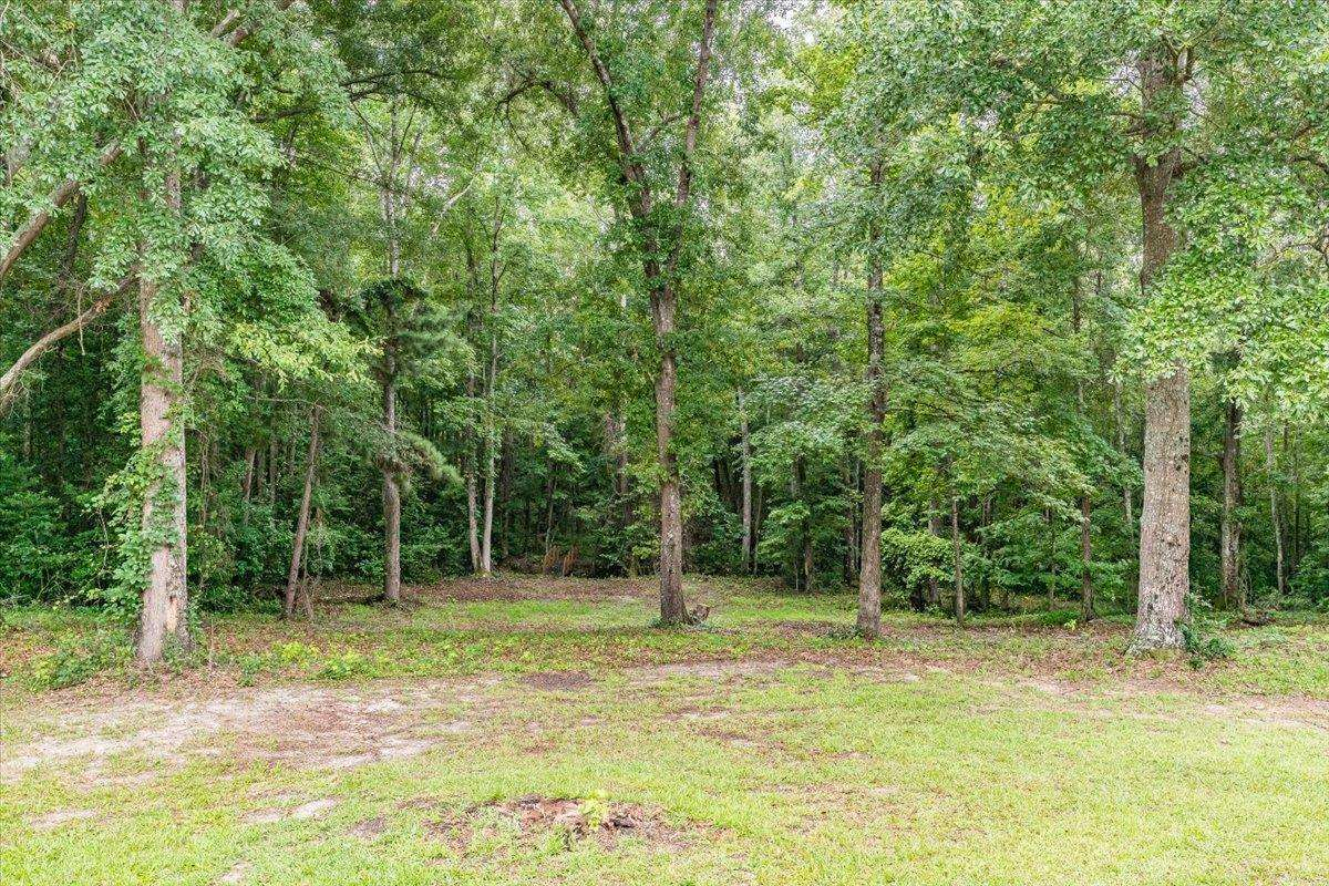 View Slide 34 for listing 9019605