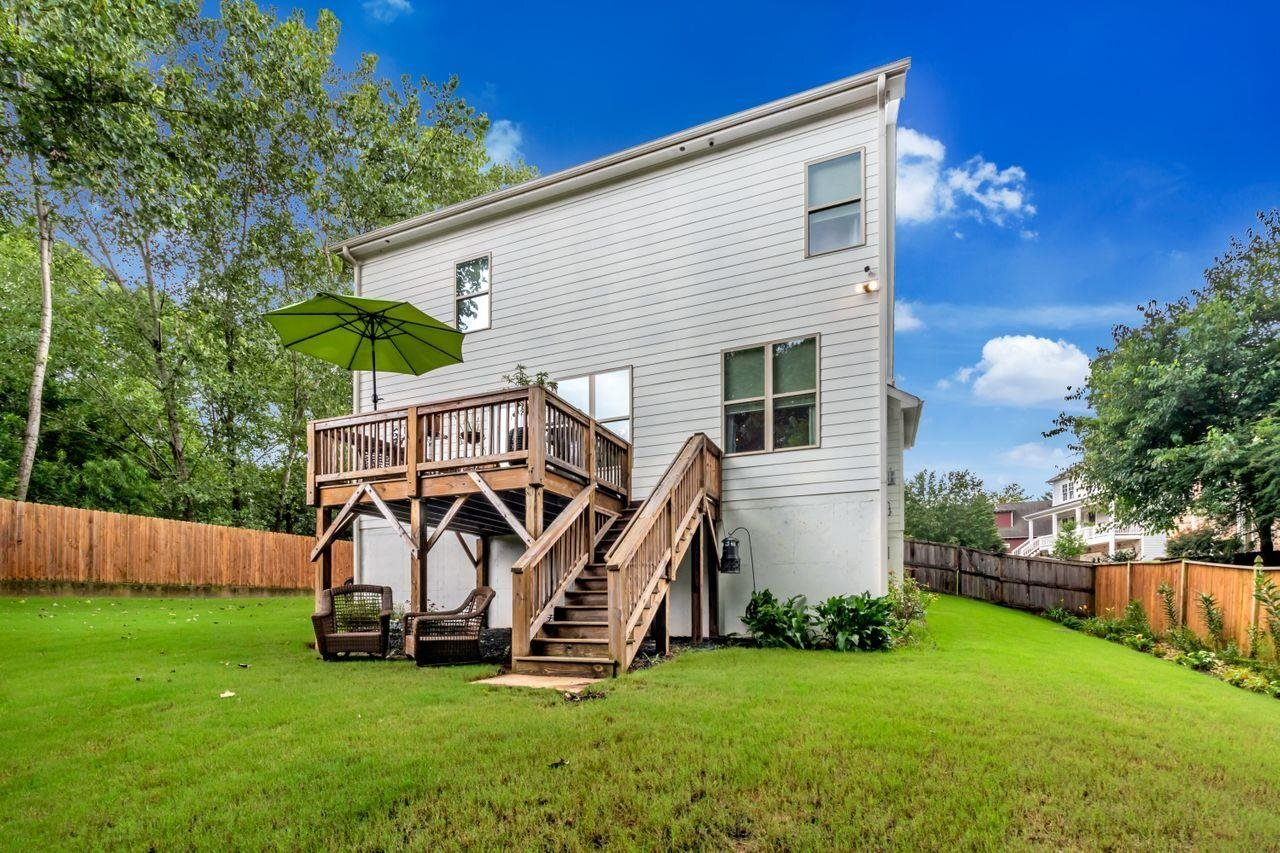 View Slide 30 for listing 9018309