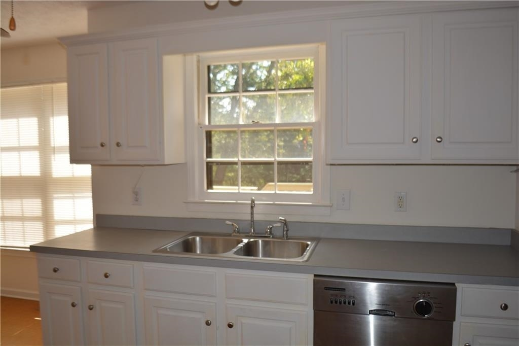 View Slide 15 for listing 8995226