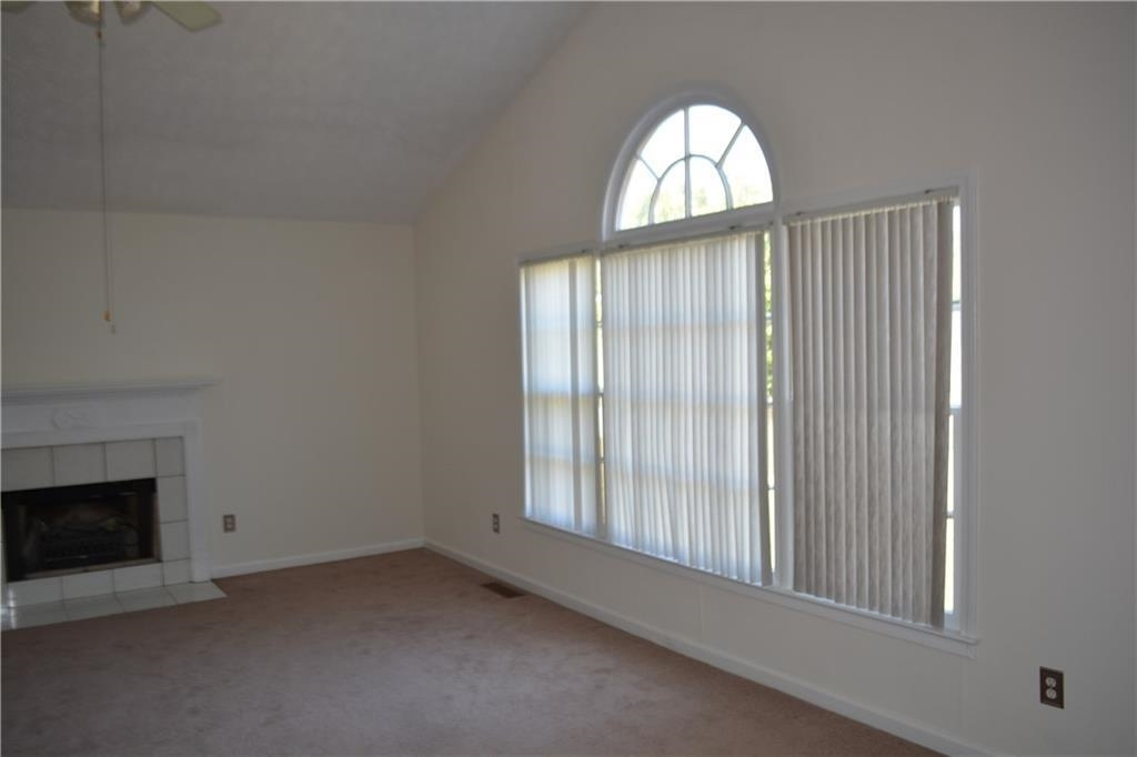 View Slide 5 for listing 8995226