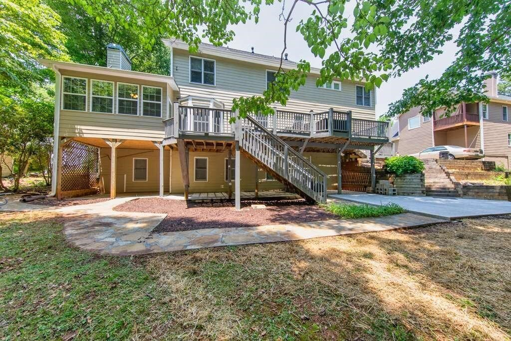 View Slide 10 for listing 8984601