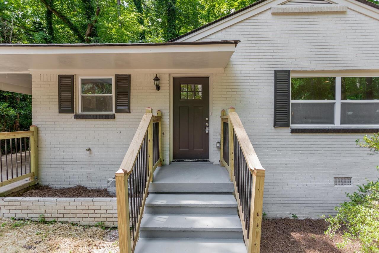 3191 Cloverhurst Dr, Atlanta GA 30344