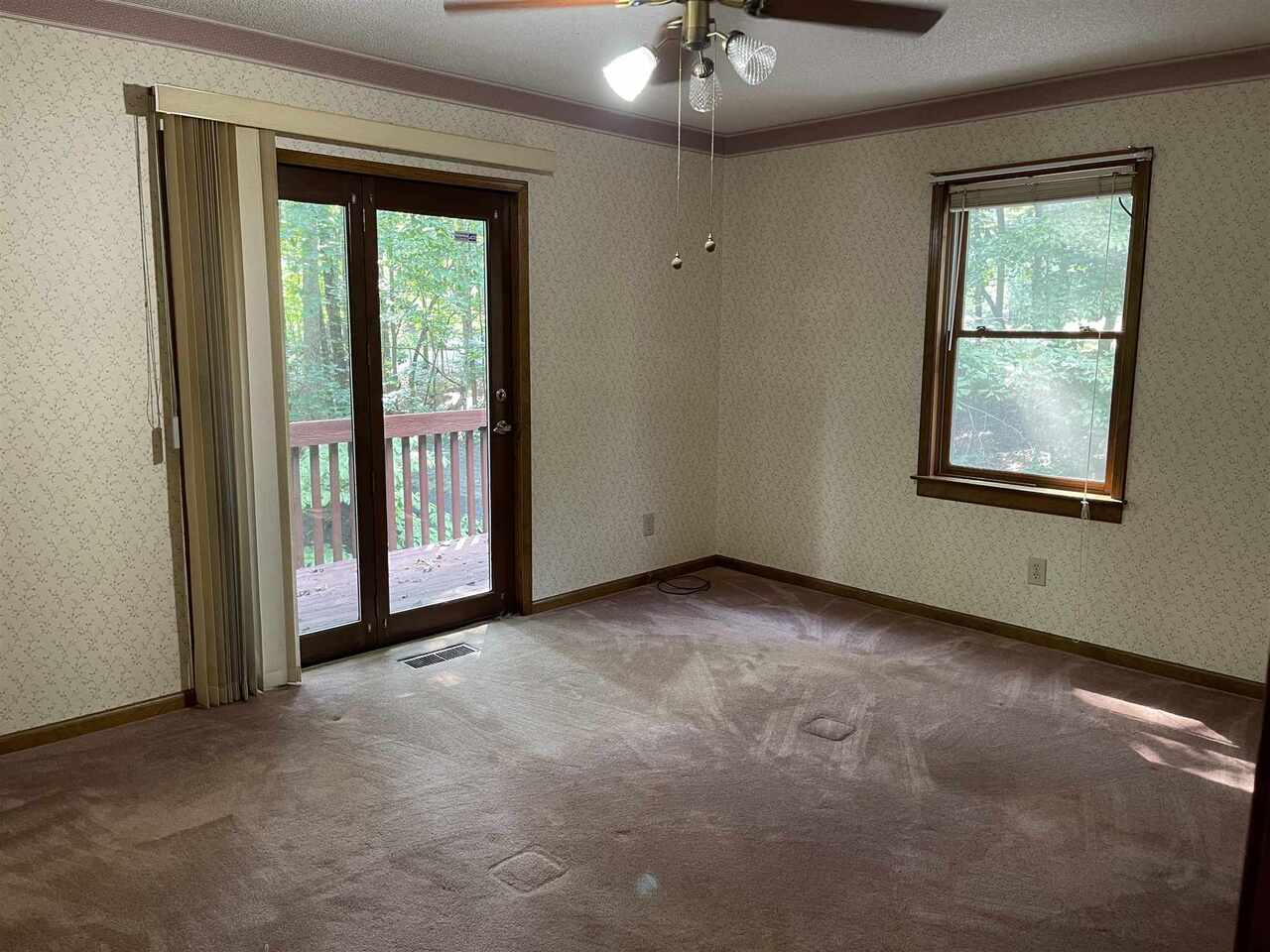 View Slide 13 for listing 9021755