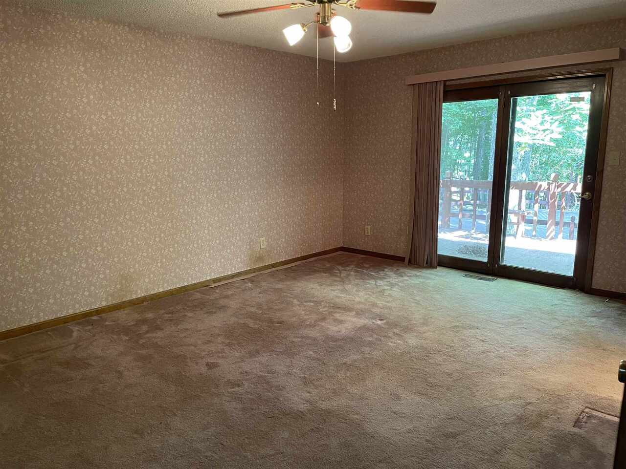 View Slide 7 for listing 9021755