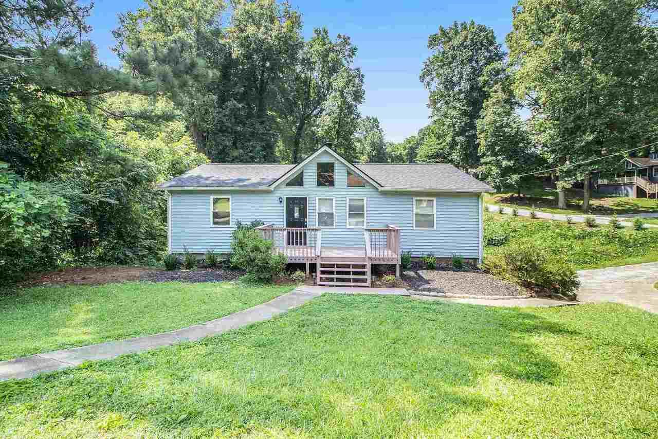 549 Pineland Circle, Smyrna GA 30126