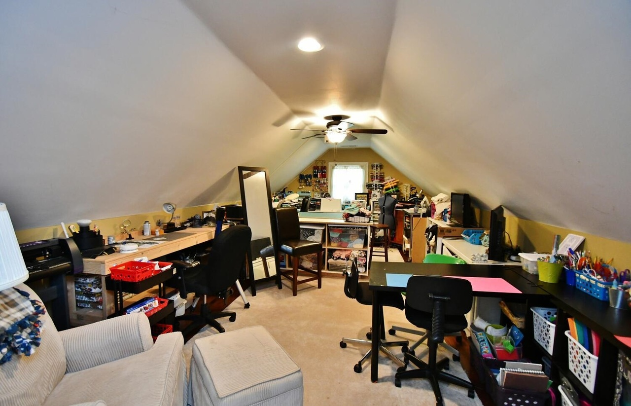 View Slide 34 for listing 8986230