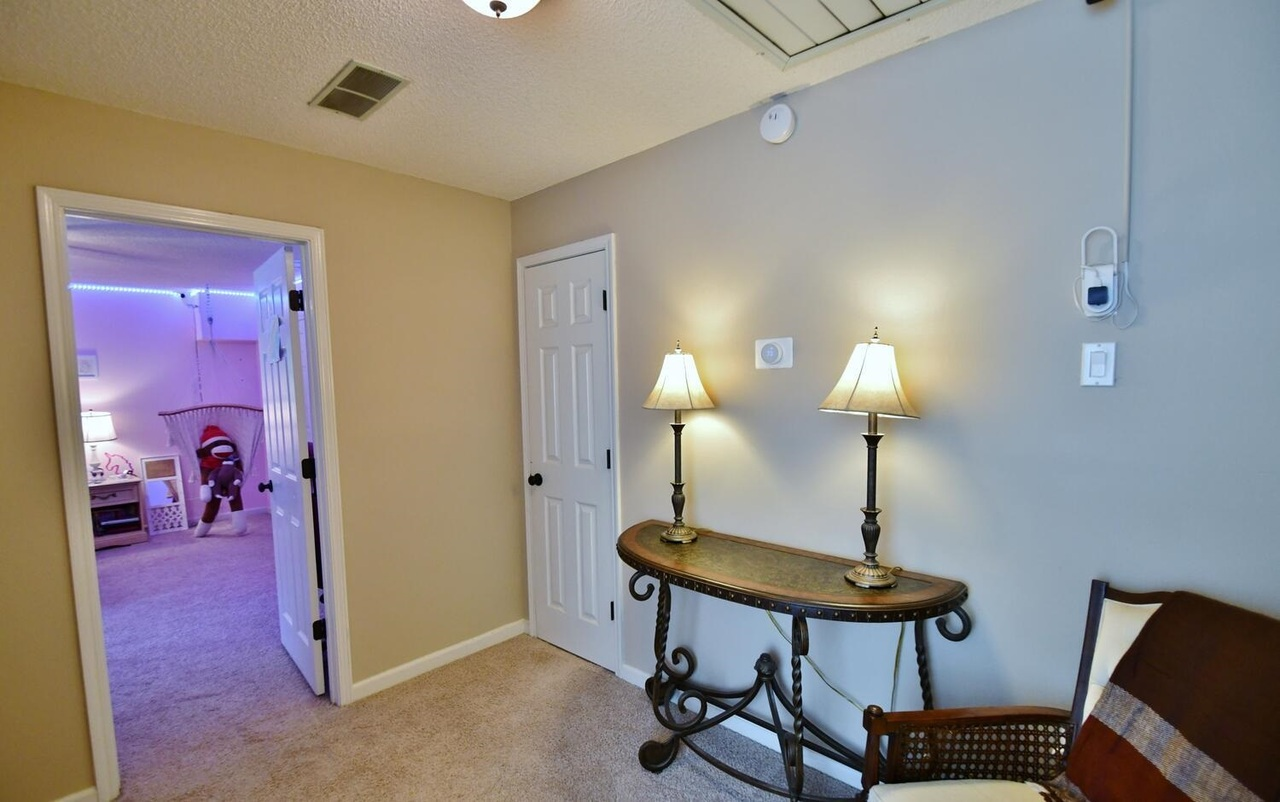 View Slide 37 for listing 8986230