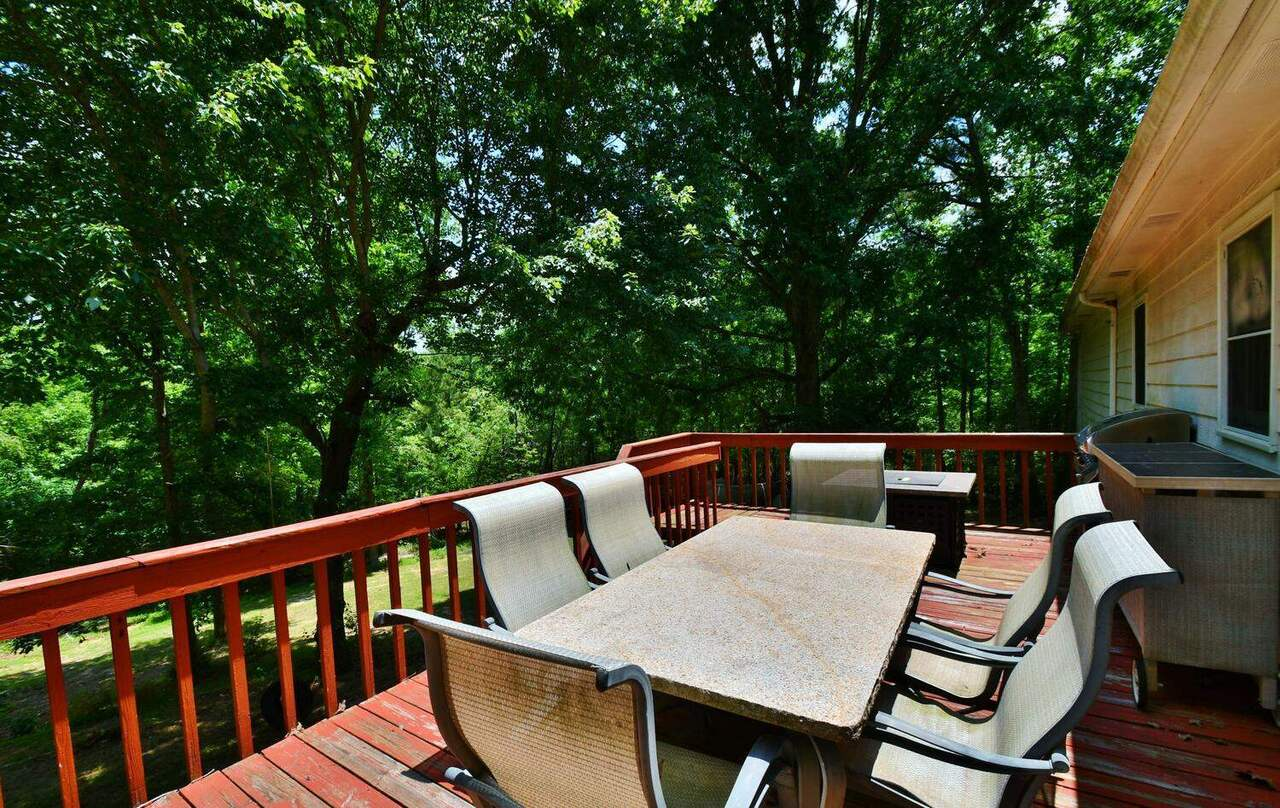 View Slide 46 for listing 8986230