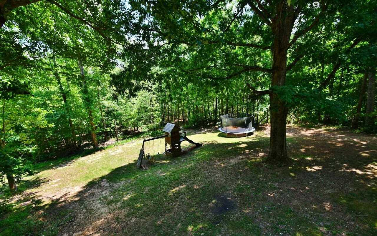 View Slide 47 for listing 8986230