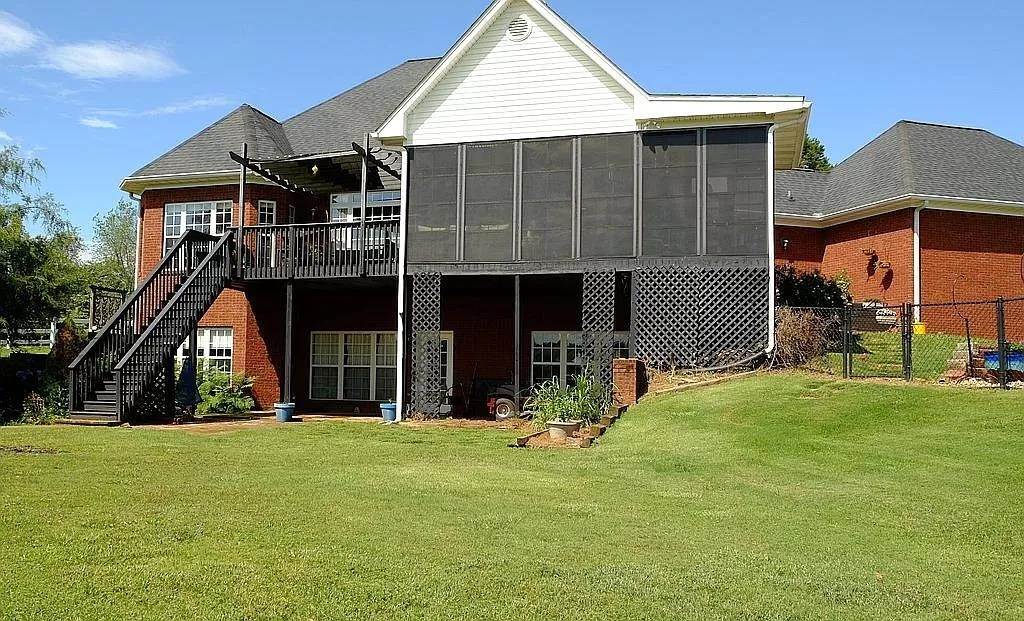 View Slide 29 for listing 9015961