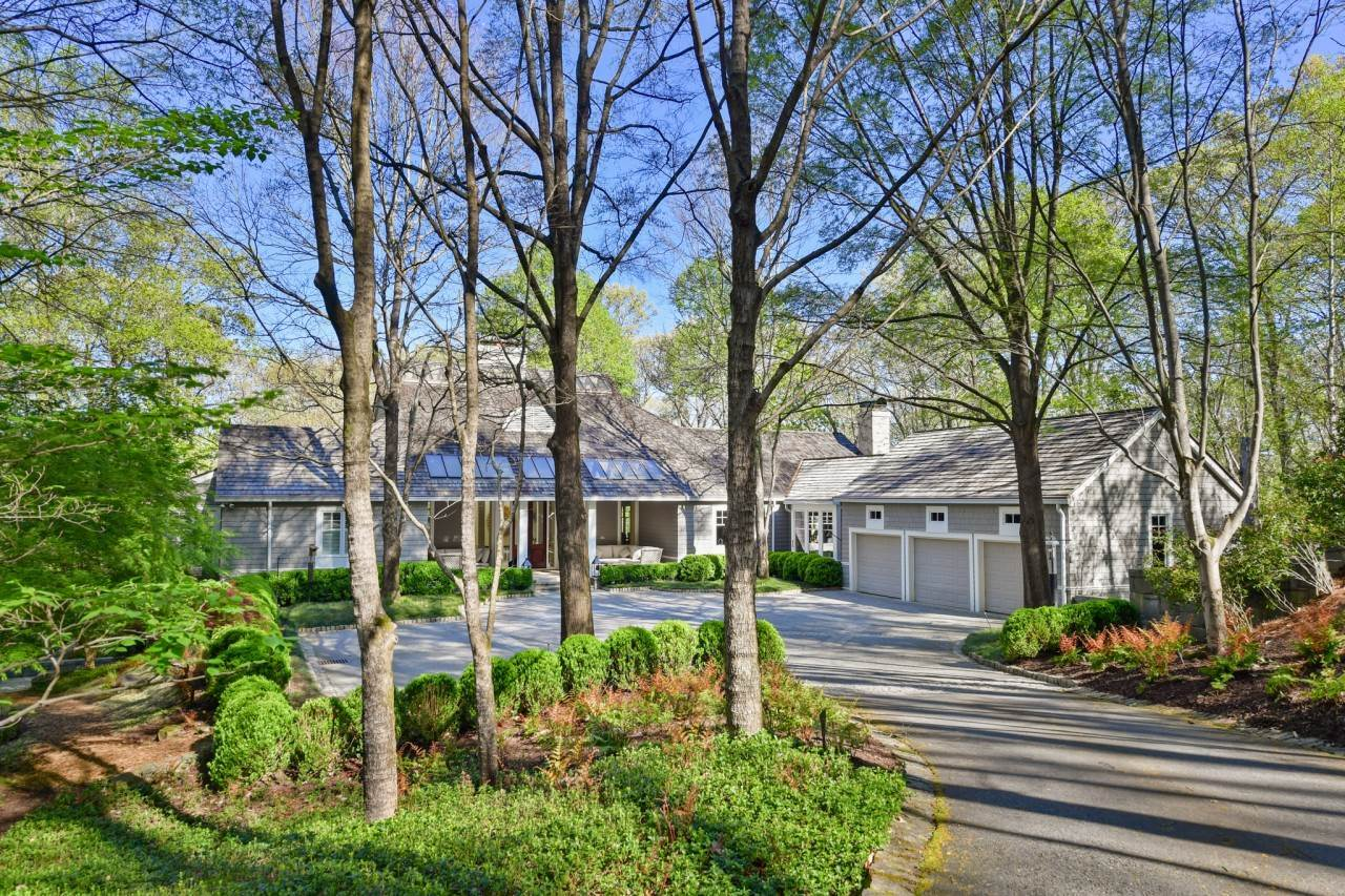 Photo of 1925 West Paces Ferry Rd, Atlanta, GA 30327
