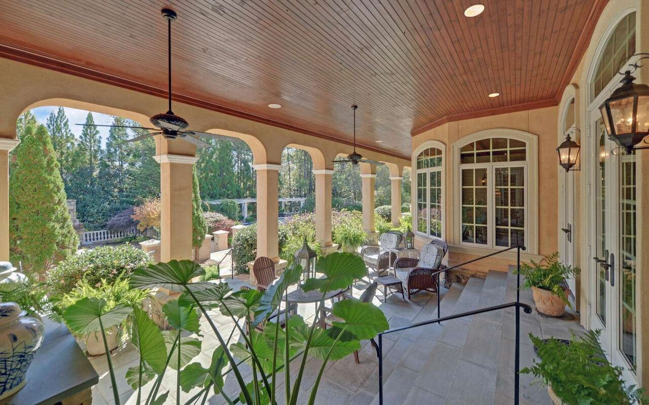 View Slide 66 for listing 8829457