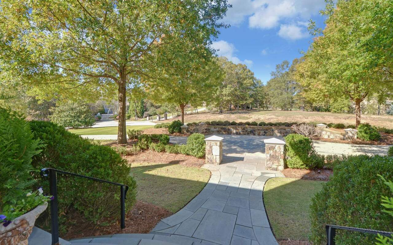 View Slide 94 for listing 8829457