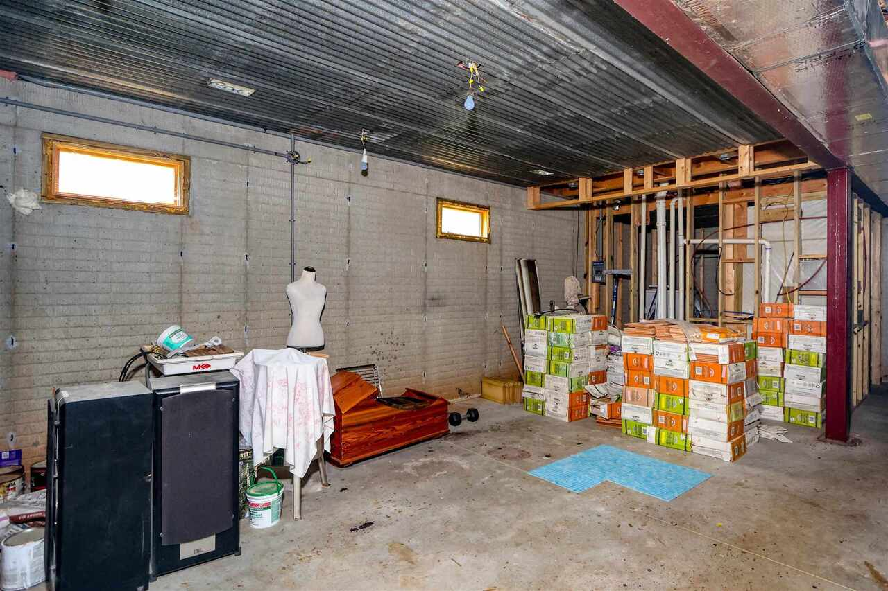View Slide 24 for listing 8981726