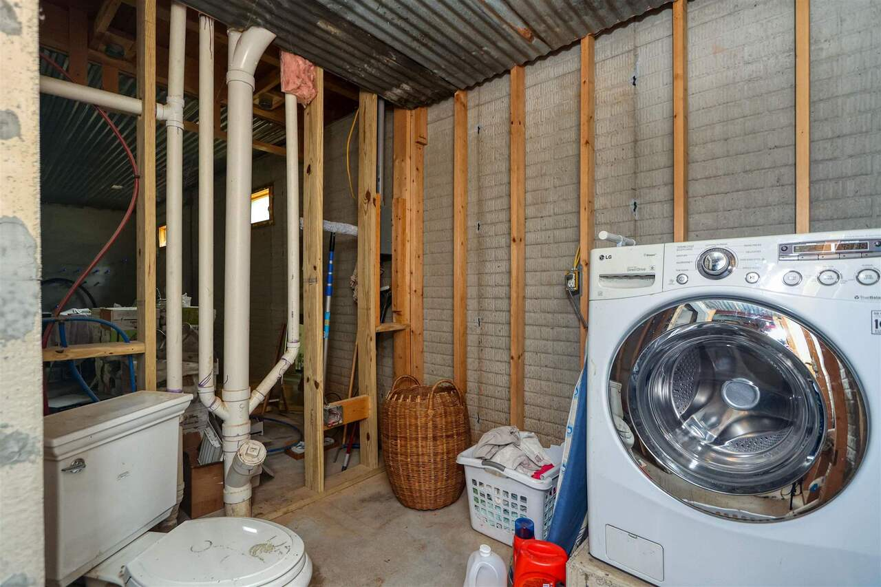 View Slide 27 for listing 8981726