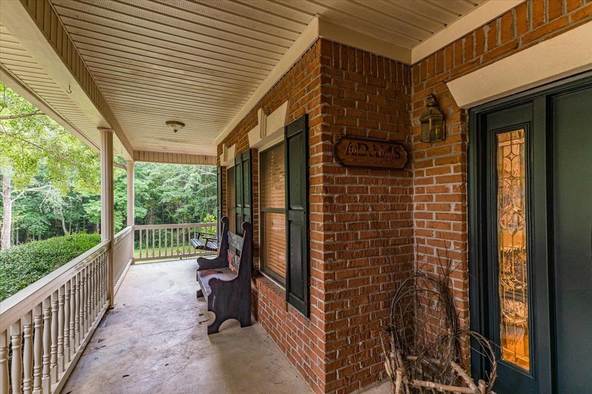 View Slide 31 for listing 9019605