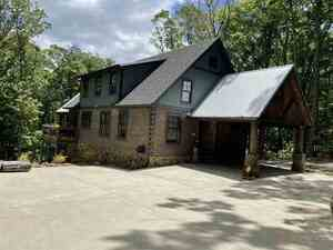 View Slide 25 for listing 8989687