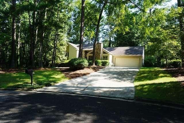 325 Longmoor Way, Johns Creek GA 30022