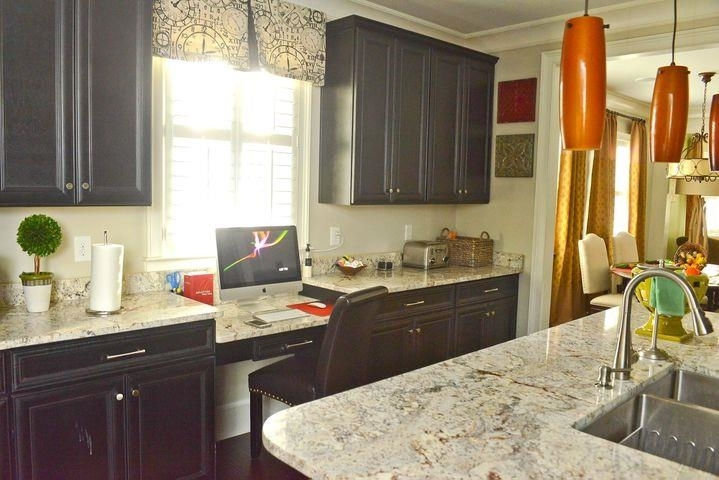 View Slide 2 for listing 9040278