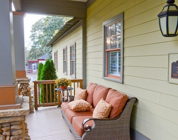 View Slide 1 for listing 9040278
