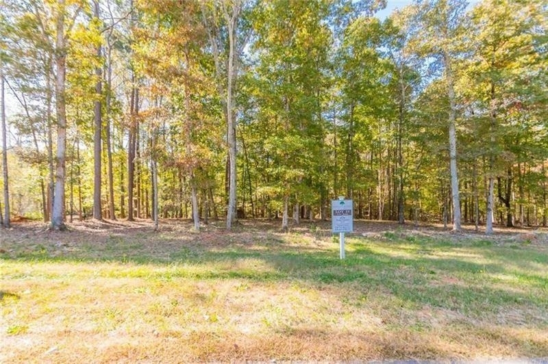 View Slide 2 for listing 9011969